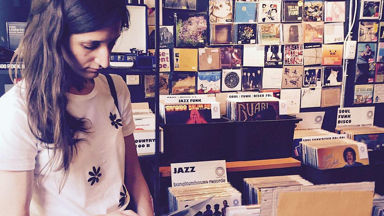 8 Bangkok Vinyl Shops - 1979 Vinyls and Unknown Pleasures