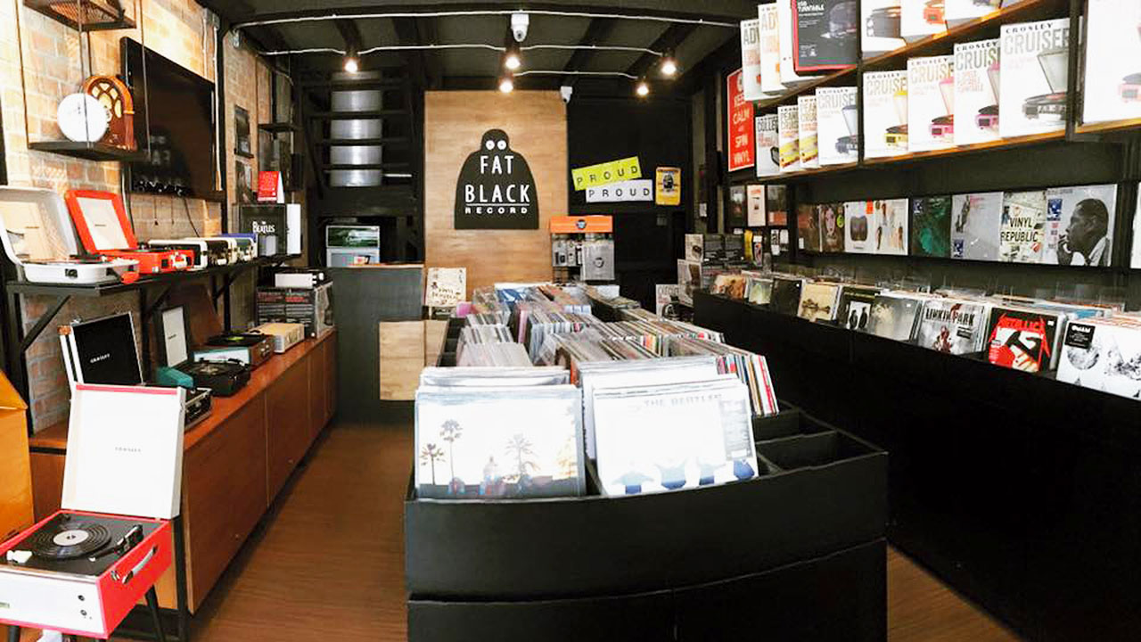 7 Places to Hunt for Vinyl Records in Bangkok | Siam2nite