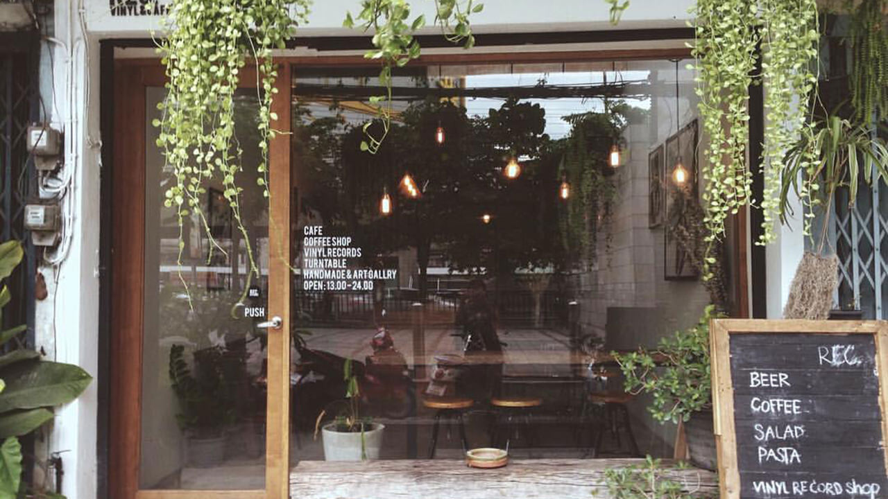 8 Bangkok Vinyl Shops - REC. Vinyl & Cafe